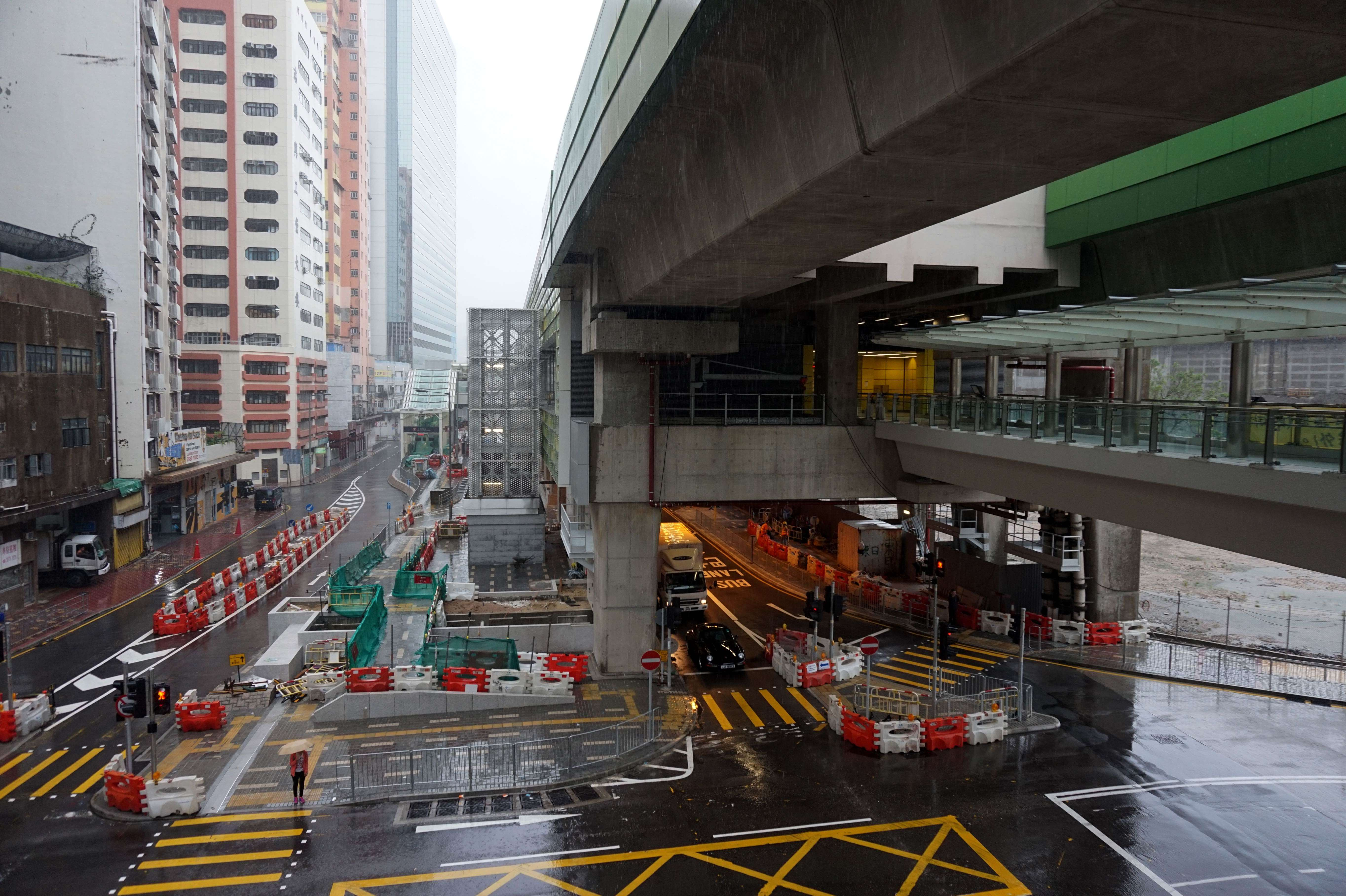 The construction work in Wong Chuk Hang Station of the South Island Line (East) is almost done