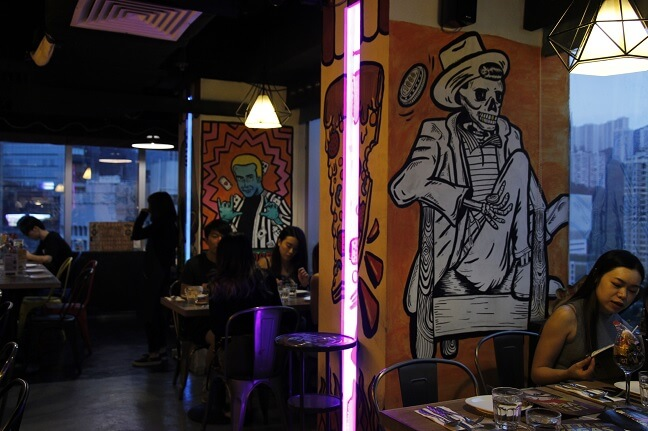More and more restaurant uses graffiti as their interior design solution