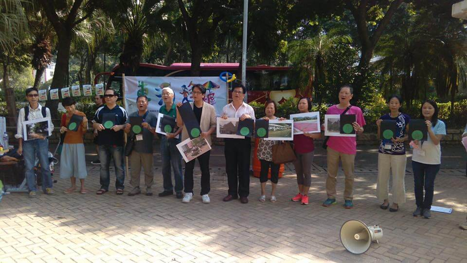 The Tung Chung Community Development Alliance urges the government to set up a dedicated department to promote the development of local bazaars and to co- ordinate with different departments who are responsible in various parts of the organization of local bazaars.
